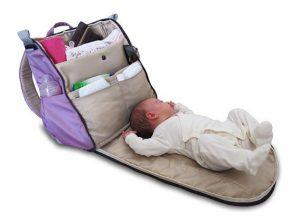المناديل الورقية المبللة بديل ممتاز بداخل حقيبة الطفل