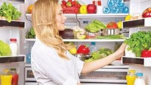طرق للحفاظ على الثلاجة نظيفة