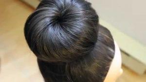 الشكل النهائي لتسريحة كعكة الشعر